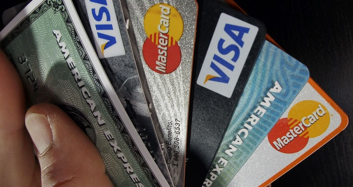 E-commerce site is infected not by one, but two card skimmers